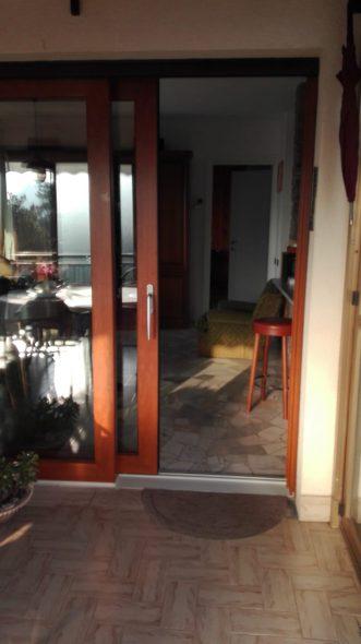 Porta scorrevole alzante Serramenti Arcobaleno